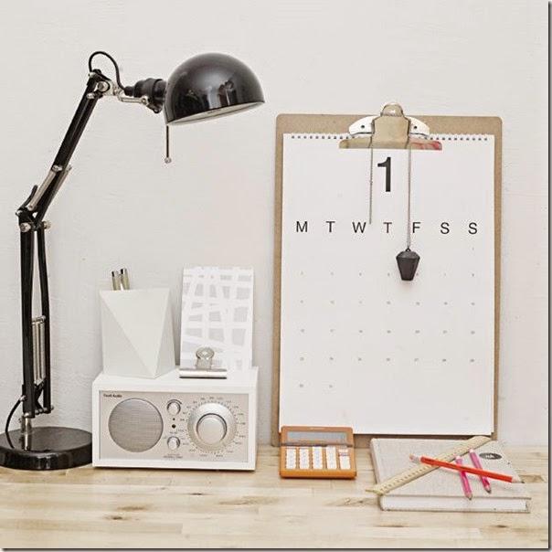 Dekoracje biura: DIY minimalistyczny kalendarz