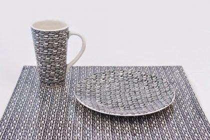 TYDZIEŃ GRANATOWY: biało-granatowa ceramika