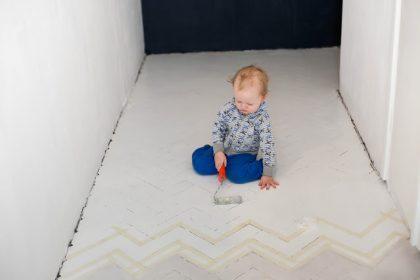 METAMORFOZA PRZEDPOKOJU DIY: Malowanie podłogi na biało - weekendowa metamorfoza za 340zł