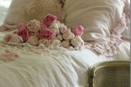 Różana romantyczna sypialnia