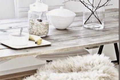 12 pomysłów na świąteczne nakrycie stołu w stylu skandynawskim