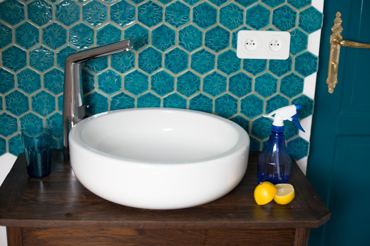 Jak dbać o ceramikę łazienkową?