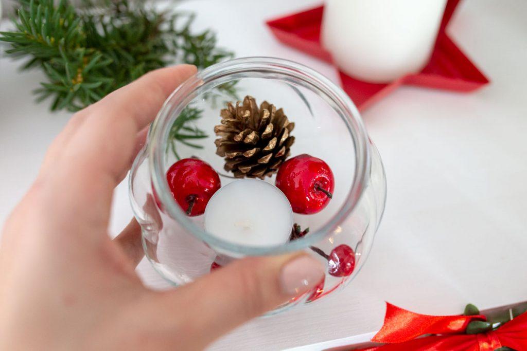 Jak ozdobić portal kominkowy na Święta?