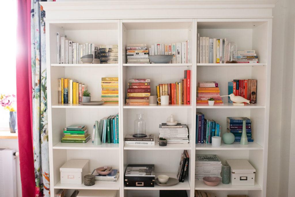 Jak wystylizować biblioteczkę?